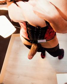Gold Preview picture from TS Transe Claudia Mistress XXL Shemale in Düsseldorf at Transgirls.com