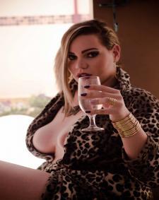 Vorschaubild von TS Transe Aline Bellocchio Shemale in Berlin bei Transgirls.de