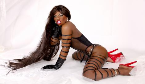 Nuti the Black Pearl Shemale in Berlin bei Transgirls.com
