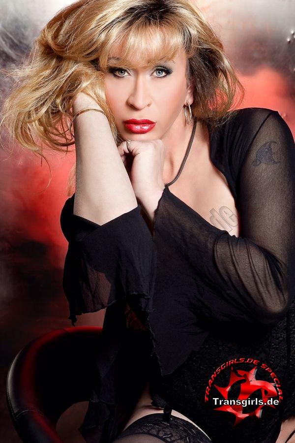 Foto Nr. 83367 von Shemale Trans Roxy
