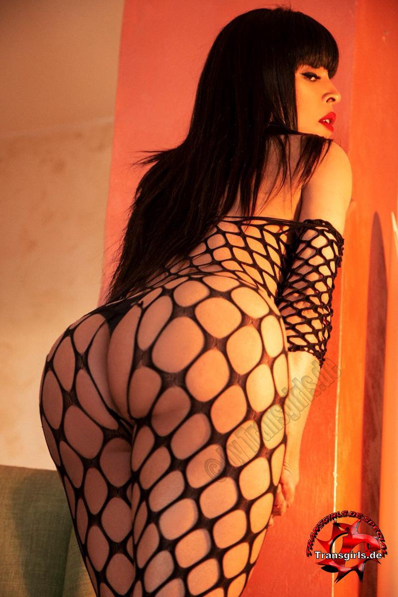 Foto Nr. 106249 von Shemale Trans British Nicole XXL
