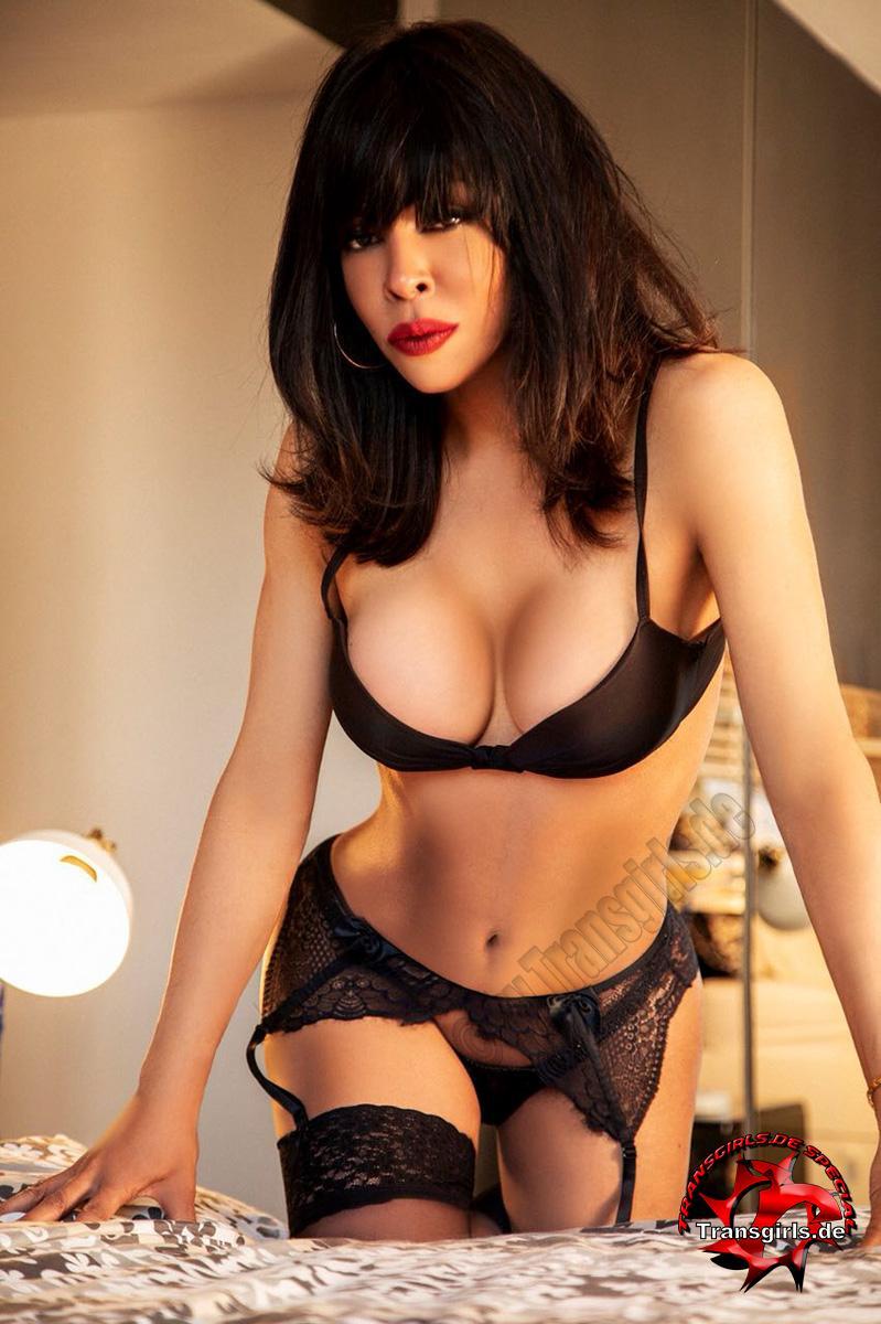 Foto Nr. 106256 von Shemale Trans British Nicole XXL