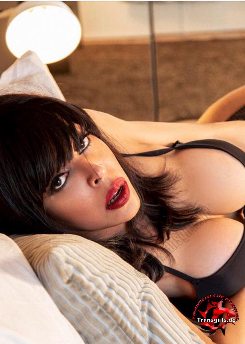Foto Nr. 106254 von Shemale Trans British Nicole XXL