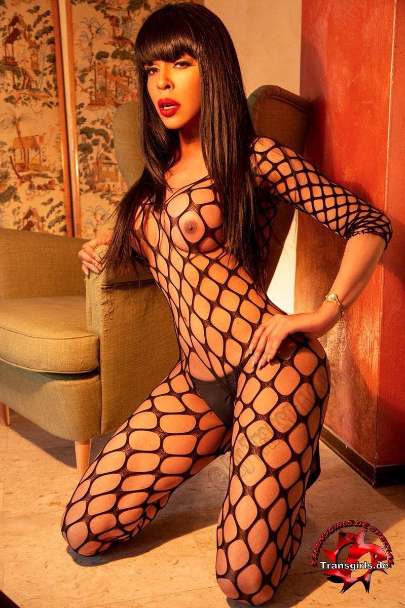 Foto Nr. 106262 von Shemale Trans British Nicole XXL