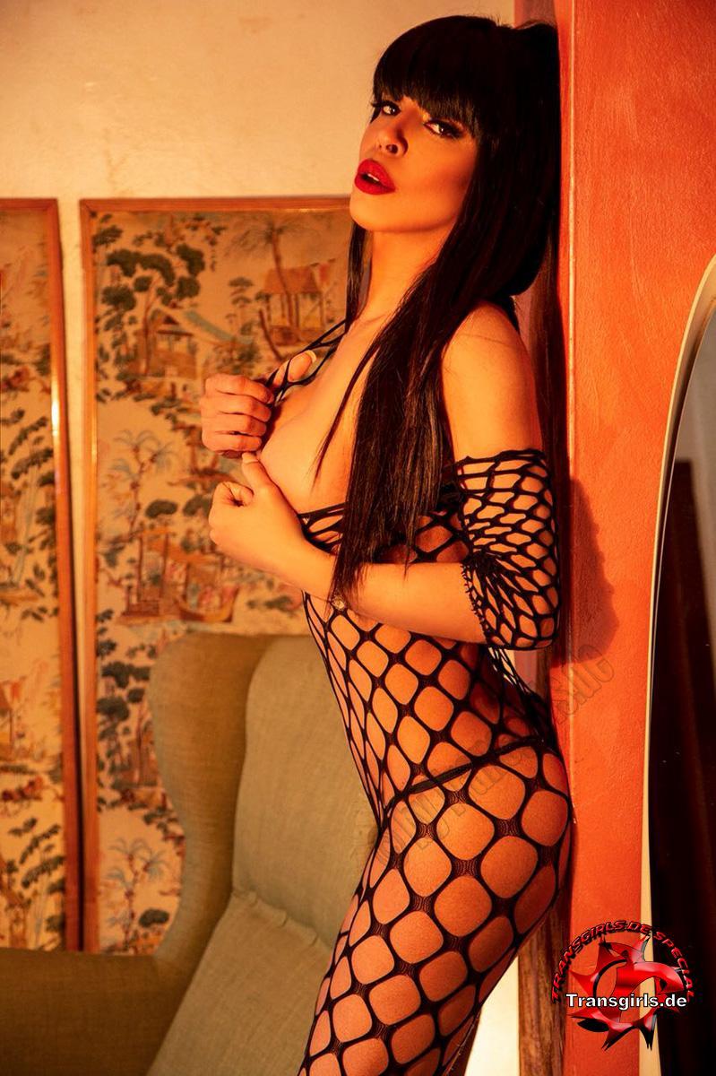 Foto Nr. 106251 von Shemale Trans British Nicole XXL