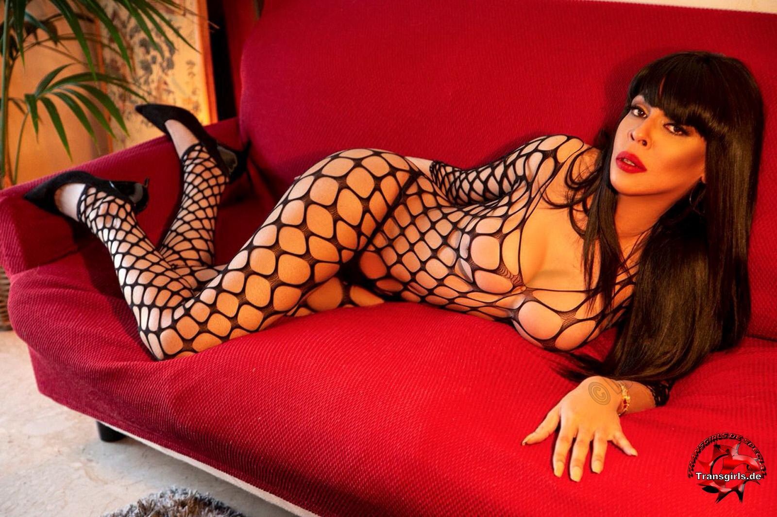 Foto Nr. 106264 von Shemale Trans British Nicole XXL
