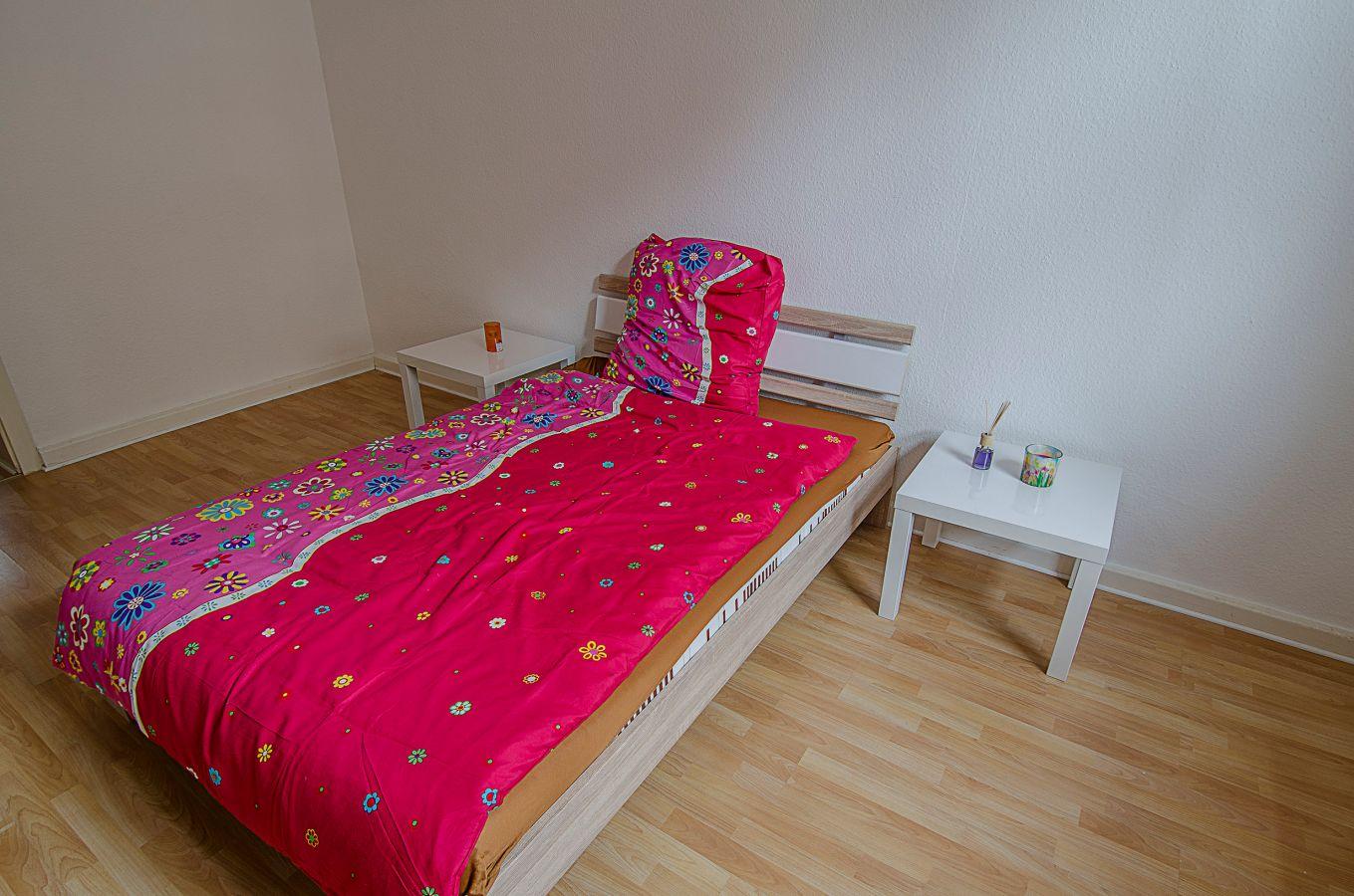 Fotos Bilder von Top Wohnung Vermietung von Arbeitswohnungen für Shemales Transen TS TV Ladies in Düsseldorf Zentrum