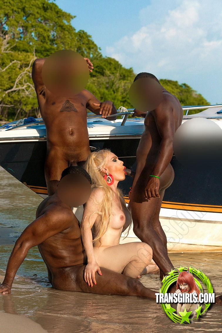 Foto Nr. 2922 von Shemale Trans Diosa Blonde