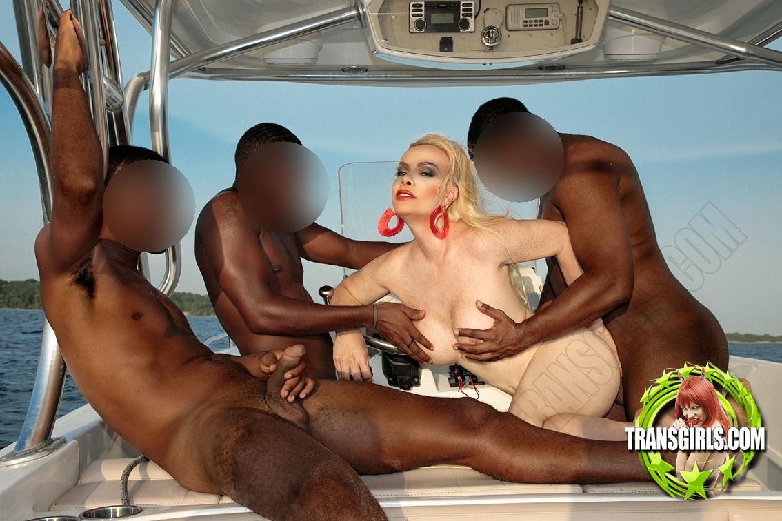 Foto Nr. 2923 von Shemale Trans Diosa Blonde