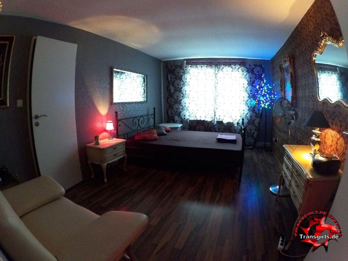 Fotos Bilder von Termin Wohnung Vermietung von Arbeitswohnungen für Shemales Transen TS TV Ladies in Düsseldorf Oberbilk