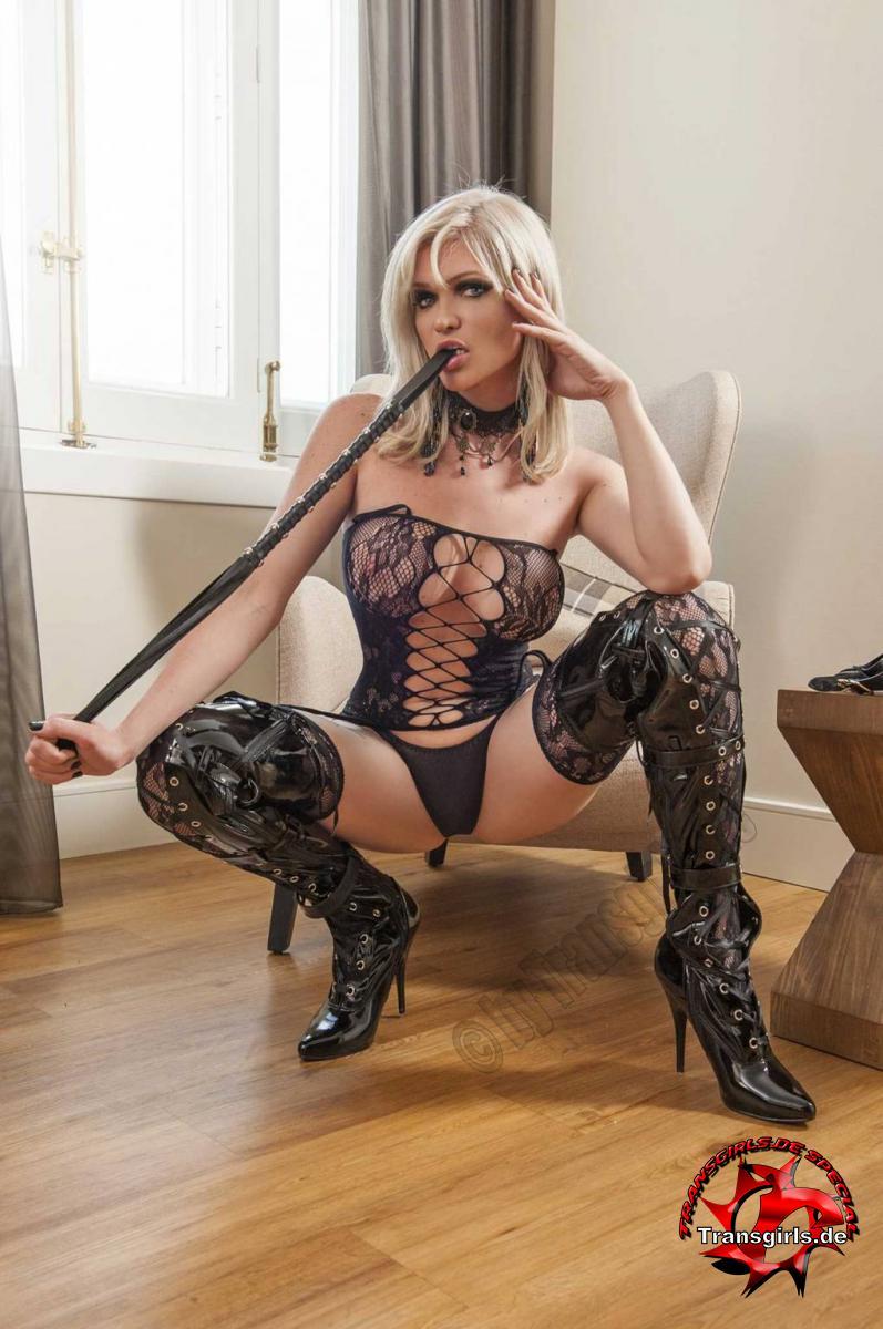 Foto Nr. 101941 von Shemale Trans Kelly Porn Star