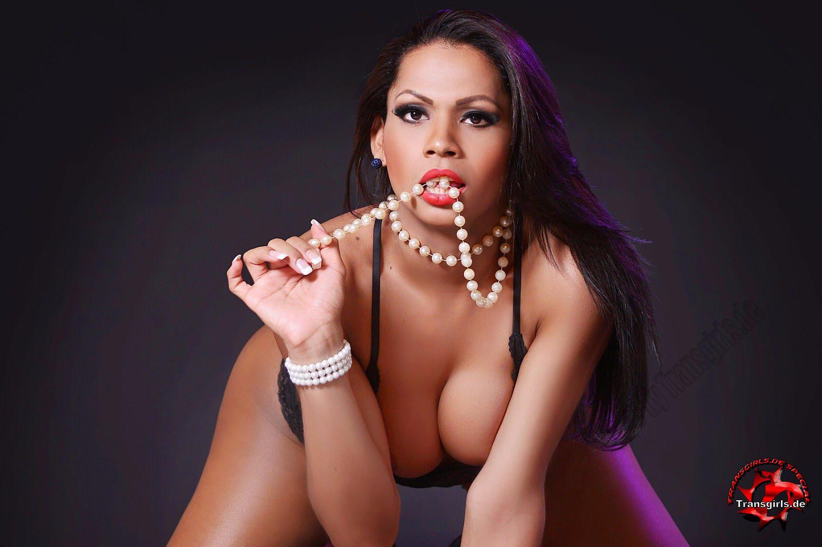 Foto Nr. 101546 von Shemale Trans Vanessa XXL