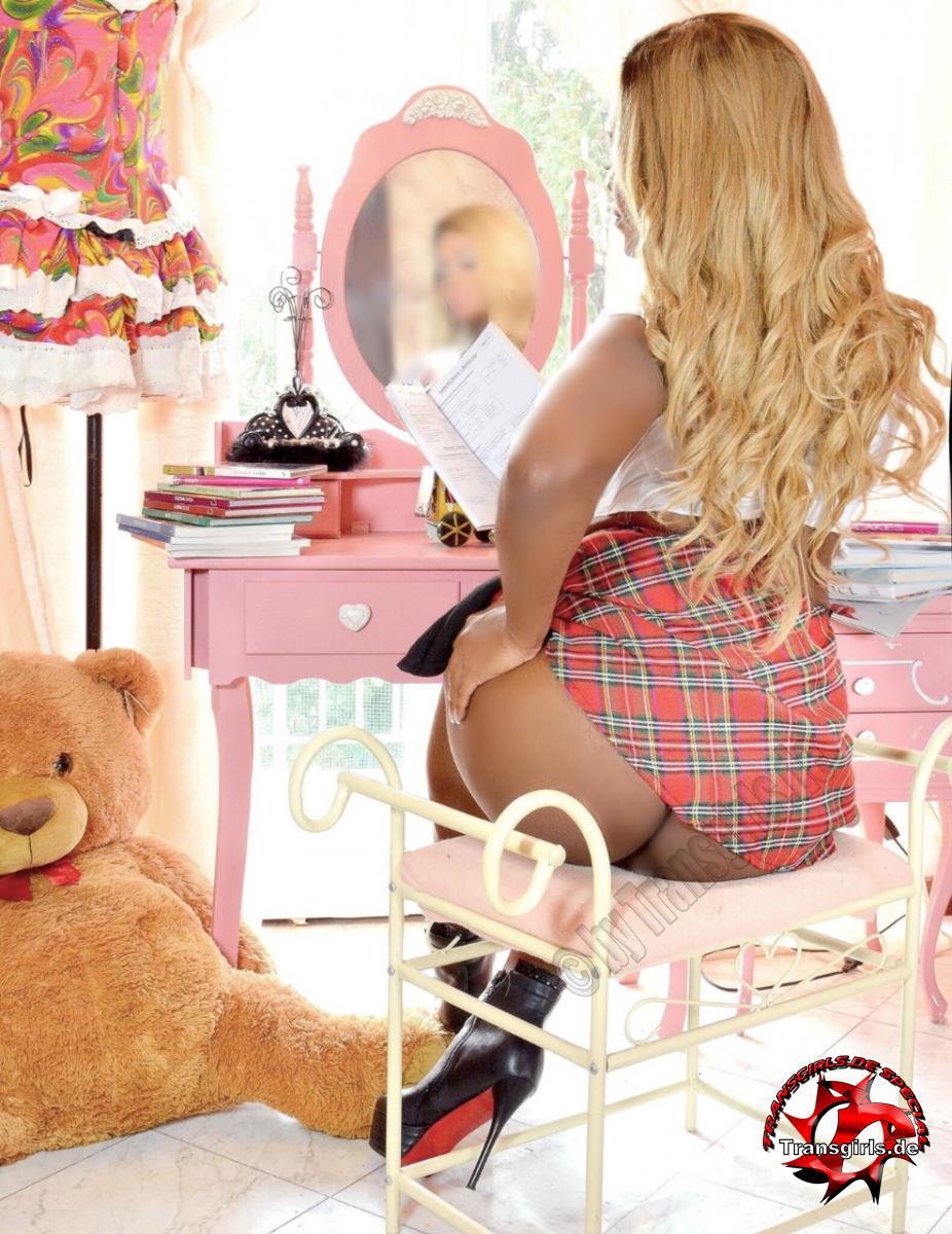 Foto Nr. 116320 von Shemale Trans Nicole Müller XXL Big Black